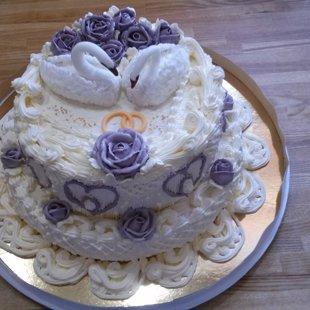 Tortes kāzām